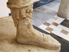 Roman Sandals, Roman Sculpture, Bronze, Black Edition, Medieval Art, Ancient Art, Vintage Shoes, Archaeology, Combat Boots