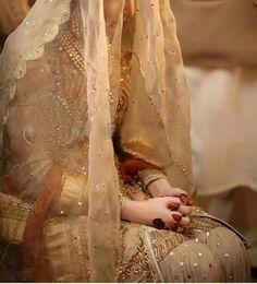 Fantastic Wedding Advice You Will Want To Share Bridal Dupatta, Bridal Mehndi Dresses, Bridal Hijab, Bridal Outfits, Bridal Henna, Pakistani Dresses, Wedding Dresses For Girls, Blue Bridesmaid Dresses, Desi Wedding