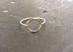 Texturierte+Kreis+Silber+Ring++von+Merrilldesign+auf+DaWanda.com