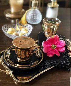 🍃☕Coffee time☕🍃I Invite You. Coffee Latte, Coffee Set, V60 Coffee, Coffee Break, Coffee Time, Coffee Cups, Arabic Coffee, Turkish Coffee, Bandeja Bar