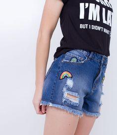 Short feminino    Com puídos    Com barra desfiada    Com patches    Marca: Blue Steel    Tecido: jeans    Modelo veste tamanho: 36         Medidas do modelo:         Altura: 1.72    Busto: 78    Cintura: 59    Quadril: 91    Manequim: 36         COLEÇÃO VERÃO 2017         Veja outras opções de    shorts femininos.