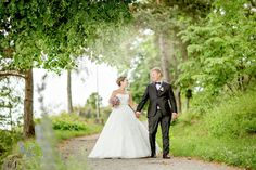 FOTOGRAF   RIMELIG   BRYLLUPSFOTOGRAF   PRIS   BRYLLUP   OSLO   FØRDE   BERGEN   HELDAGS-BRYLLUP Iris, Bergen, Oslo, Ford, Wedding Dresses, Fashion, Bride Dresses, Moda, Bridal Gowns