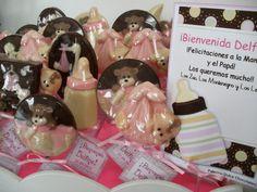 Regalo de chupetines de chocolate de Palermo Dulce para el nacimiento de Delfina en la Maternidad Suizo Argentino