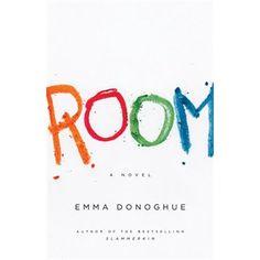 Room, par Emma Donoghue (roman) Jack, 5 ans, raconte sa vie avec sa mère dans la seule pièce qu'il connaisse puisqu'il est né en captivité d'une mère kidnapée et d'un père kidnappeur et violeur.  Il nous faut souvent deviné ce qui se passe car la narration est fidèle à la perception d'un jeune enfant. Troublant, mais génial!