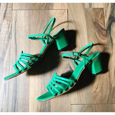 Vintage Green Leather Sandals // pumps // Amalfi by Rangoni ~ AGAIN, SADLY, too tiny for me!
