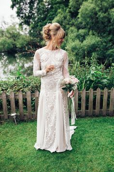 Bride wears a 1960s inspired Grace Loves Lace wedding gown | Photography by http://www.corradochiozzi.com/
