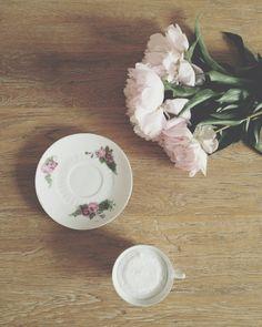 Bougie dans tasse en porcelaine motif fleurs : Accessoires de maison par naturellement-mer