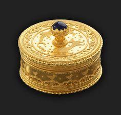 Andrea Cagnetti alias Akelo - Box in gold and sapphire - Museum of Fine Arts, Boston