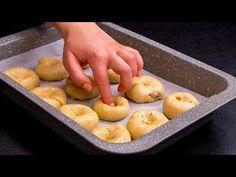Jednodušší a chutnější recept jsem ještě nedělal. Sníte ho na jedno pose. Tasty Videos, Snacks, Finger Foods, Pizza, Buffet, Rolls, Appetizers, Mint, Treats