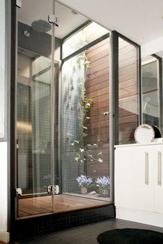 Miel Arquitectos, vine in the bathroom, small space genius.