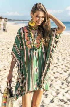 Kaftan Miss June in Hippie Style, Looks Hippie, Hippie Chic, My Style, Bohemian Mode, Bohemian Style, Boho Chic, Beachwear Fashion, Boho Fashion