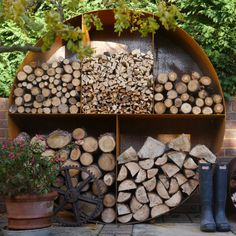 The Woodstock Original Circular Log Store Large : Are you interested in our metal log storage? With our circular garden storage you need look no further. Firewood Rack, Firewood Storage, Log Wall, Fireplace Logs, Fireplace Ideas, Fireplaces, Log Store, Wood Shed, Log Burner