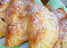 Empanadas, Eastern European Recipes, Cherry Candy, Czech Recipes, Breakfast Bake, Cheesecakes, Quick Easy Meals, Baked Goods, Sweet Recipes