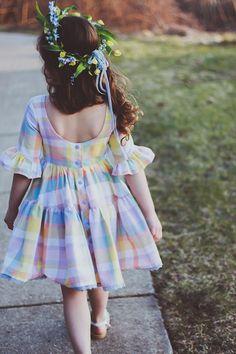 Baby Girl Frocks, Frocks For Girls, Kids Frocks Design, Baby Frocks Designs, Cute Girl Dresses, Little Girl Dresses, Baby Girl Fashion, Kids Fashion, Kids Dress Wear