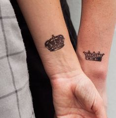 Queen and King - Tattoonie Temporary Tattoo Paper, Custom Temporary Tattoos, Custom Tattoo, Fake Tattoos, Couple Tattoos, Amy Winehouse Black, Tree Bees, Lotus Henna