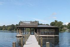 Spacious and Luxurios Dock with sun bathing deck, TV and full grille/kitchen - Chattanooga house rental