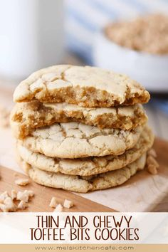 THIN AND CHEWY TOFFEE BITS COOKIES: These delicious toffee cookies are a toffee lovers' dream! Delightfully soft and chewy, this easy recipe yields a buttery cookie loaded with toffee! Toffee Cookies, Buttery Cookies, Cream Cookies, Cake Cookies, Heath Bar Cookies, Drop Cookies, Shortbread Cookies, Köstliche Desserts, Delicious Desserts