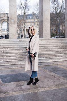 Blond bob - Paris fashion week - streetstyle - paris - wool coat - came coat