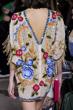 Georges Hobeika at Couture Spring 2018 - Details Runway Photos Couture Embroidery, Embroidery Fashion, Embroidery Designs, Couture Details, Fashion Details, Fashion Design, Spring Couture, Couture Week, High End Fashion