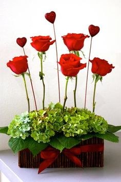contemporary floral arrangements summer - Google Search