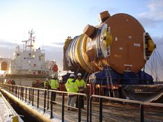 Olkiluoto 3 : installation de la cuve du réacteur