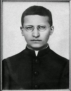 Um dos Salesianos de Dom Bosco.