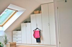 Handmade zolder kast onder schuine wand Ikea pax kast