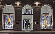 https://flic.kr/p/e3hGhy   Versace Store Windows, Department Store, Window Displays, 5th Avenue, Versace, Shop Displays, Display Cases, Shop Windows, Shop Windows