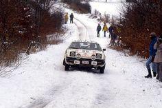 Triumph TR7 rally car Rally Raid, Car And Driver, Jaguar, Wonders Of The World, Race Cars, Dream Cars, Racing, Weird, Snow