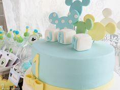 Cumpleaños Mickey Mouse Bebé Boys 1st Birthday Party Ideas, Baby 1st Birthday, Birthday Photos, Birthday Cake, Mickey Mouse Desserts, Minnie Mouse Decorations, Minie Mouse Party, Mickey Mouse 1st Birthday, Pastel Mickey Mouse Niño