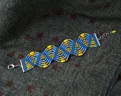 Bright micro macrame bracelet beaded macrame por MartaJewelry