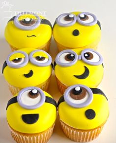 Despicable Me Minion Cupcakes Minion Cookies, Minion Cupcakes, Cupcakes For Boys, Fun Cupcakes, Birthday Cupcakes, Cupcake Cakes, Minion Birthday, Minion Party, Happy Birthday