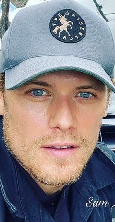 Sam Heughan Outlander, James Fraser Outlander, Sam Heughan Caitriona Balfe, Sam Hueghan, Sam And Cait, Jaime Fraser, Tiger Beat, Outlander Tv Series, Good Looking Men