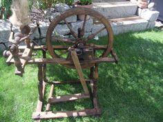 Altes-Spinnrad-als-Deko-Nr4