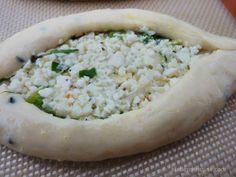 Fatayer Jibneh bil   Tuzlu Peynir El Pies;  Fotoğraf © Christine Bedrossian