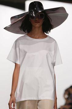 Chalayan Ready To Wear Spring Summer 2014 Paris - NOWFASHION