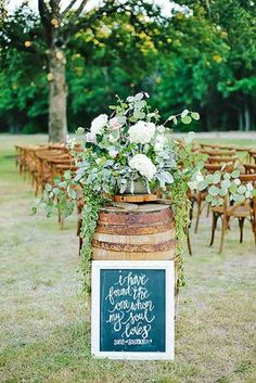 Rustic decor might be very interesting. Do a research with us and see our gallery of rustic wedding ideas! You could find a lot of beautiful things!