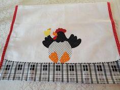 Em tecido de sacaria 100% algodão, com bordado aplicado à máquin.. R$ 17,90