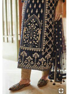 49 Ideas Dress Designer Indian Anita Dongre For 2019 Pakistani Outfits, Indian Outfits, Indian Dresses, Kurta Designs Women, Blouse Designs, Textile Pattern Design, Textile Patterns, Indian Party Wear, Mode Blog