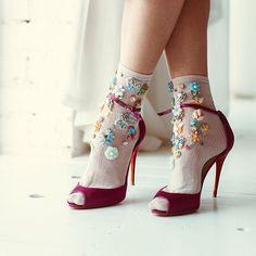 """371 Me gusta, 5 comentarios - BLOG MEDIA LOOKBOOK (@blog_lookbook) en Instagram: """"Socks de luxe ИЛИ Туфли с носками Нет, сегодня я не буду доставать вас розовым кварцем, даже и не…"""""""