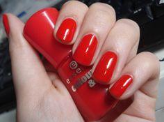 Essence Colour & Go nail polish in Redvolution