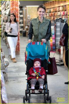 Jessica Alba: Fabric Shopping with Haven!