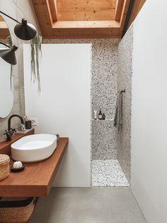 Terrazzo, Bathroom Interior Design, Tiny House, Vanity, Motifs, Bathroom Ideas, Salons, Construction, Places