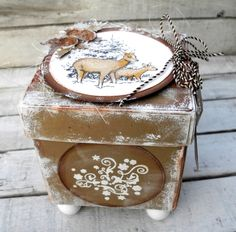 Christmas Box - Pia Baunsgaard - Stempelglede :: Design Team Blog Related Pins Christmas Rose, My Stamp, Snow Globes, Favors, Projects, Stamps, Cards, Boxes, Inspiration