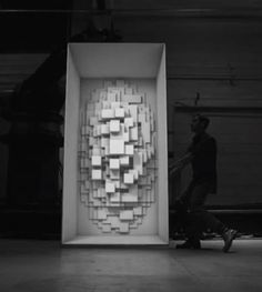 Box-video-mapping-3D-performance