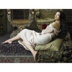Natalie Dormer Hairstyles as Anne Boleyn in The Tudors StrayHair ❤ liked on Polyvore featuring natalie dormer