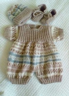 Hand knitted 3 piece romper set for 16-18 reborn or new born baby boy up to 6lb