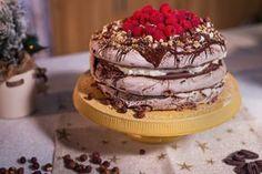 Reteta culinara Tort Pavlova cu ciocolata din categoria Torturi. Specific Rusia. Cum sa faci Tort Pavlova cu ciocolata Pavlova, Something Sweet, Keto, Cookies, Cake, Desserts, Sweets, Design, Russia