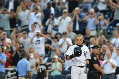 Ichiro Suzuki reaches 4,000-hit milestone
