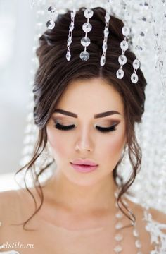 18 Wedding Updo Hairstyles That Are Beautiful From Every Angle, Peinados, Featured Updo Wedding Hairstyle: Elstile; Wedding Makeup Tips, Natural Wedding Makeup, Bride Makeup, Unique Wedding Hairstyles, Bride Hairstyles, Headband Hairstyles, Beautiful Hairstyles, Elegant Wedding Hair, Wedding Updo